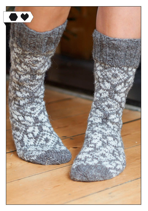 Bíbico / HAND KNITTED SNOWFLAKE SOCKS