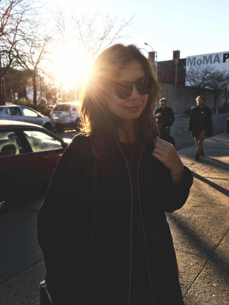 SLORIS_Outfit_New_York_Carrie_Jan-N-June_Mantel_05