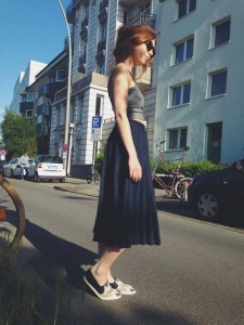 sloris-slow-fashion-second-hand-vintage-skirt-rock-maxiskirt-ahimsa-shoes-beliya-bag-american-apparel