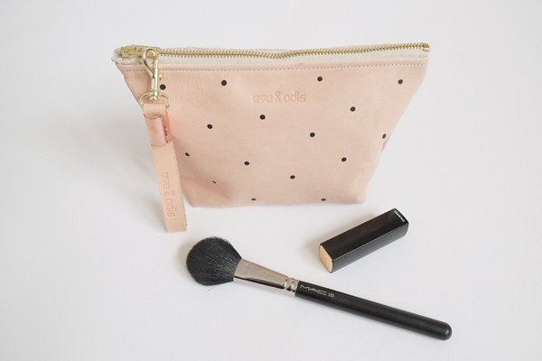 bag_makeupbag_polkadots01_grande