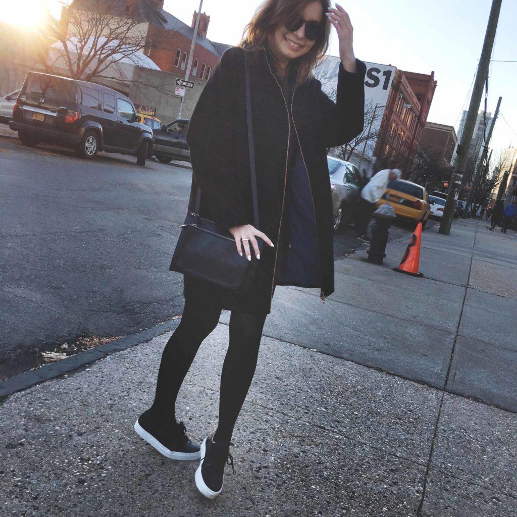 SLORIS_Outfit_New_York_Carrie_Jan-N-June_Mantel_01