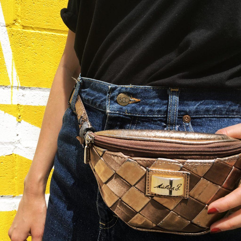 SLORIS-Slow-Fashion-Store-Onimos-Outfit-Lametta-TShirt-Lee-Jeans-Jeansrock-Barcelona_0004_Ebenenkomp. 5