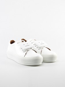 glamour-shopping-week-fair-fashion-peoples-place-slow-fashion-acne_shoe_adriana_patent_white-8